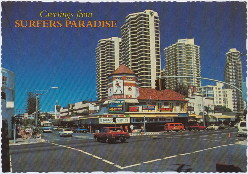The Gold Coast S Most Famous Landmark The Surfers Paradise Hotel On The Corner Of The Pacific Highway And Cavill Avenue Towering Over The Old Hotel Is The Paradise Centre Queensland Places