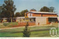 "<span class=""caption-caption"">Range Motel, Toowoomba</span>, c1960. <br />Postcard folder by <span class=""caption-publisher"">Murray Views Pty Ltd</span>, collection of <span class=""caption-contributor"">Centre for the Government of Queensland</span>."