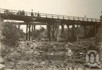 "<span class=""caption-caption"">Rail and road bridge, Atherton</span>, 1900-1915. <br />Photograph, collection of <span class=""caption-contributor"">JC Smith Collection, Fryer Library, UQ</span>."