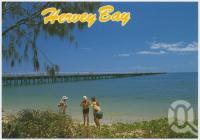 """<span class=""""caption-caption"""">Urangan Pier, once a busy loading wharf, now a favourite fishing spot</span>, c1970-2000. <br />Postcard, collection of <span class=""""caption-contributor"""">Murray Views Collection</span>."""